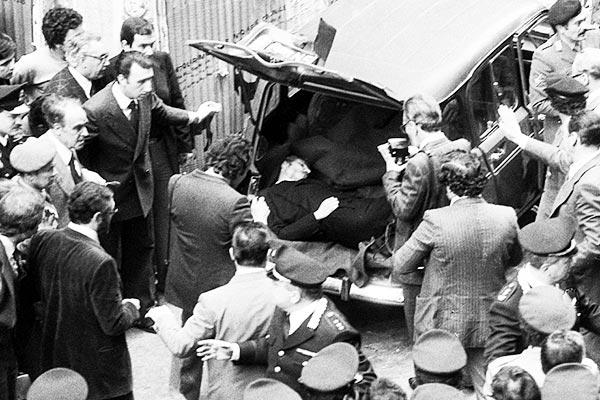 Attacco-al-cuore-dello-Stato-le-Brigate-Rosse-sequestrano-e-uccidono-il-Presidente-Aldo-Moro